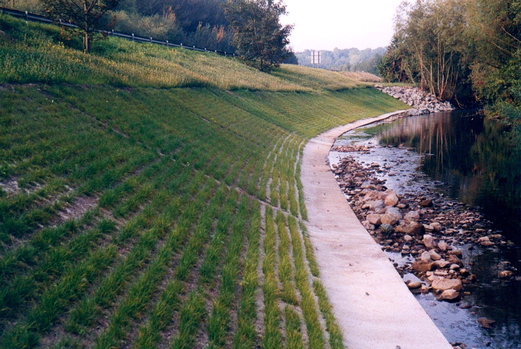 Grasscrete - Early Growth River Embankment