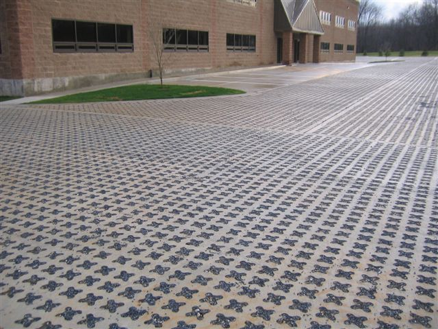 Grasscrete - Plum Way II Commercial Building - 03
