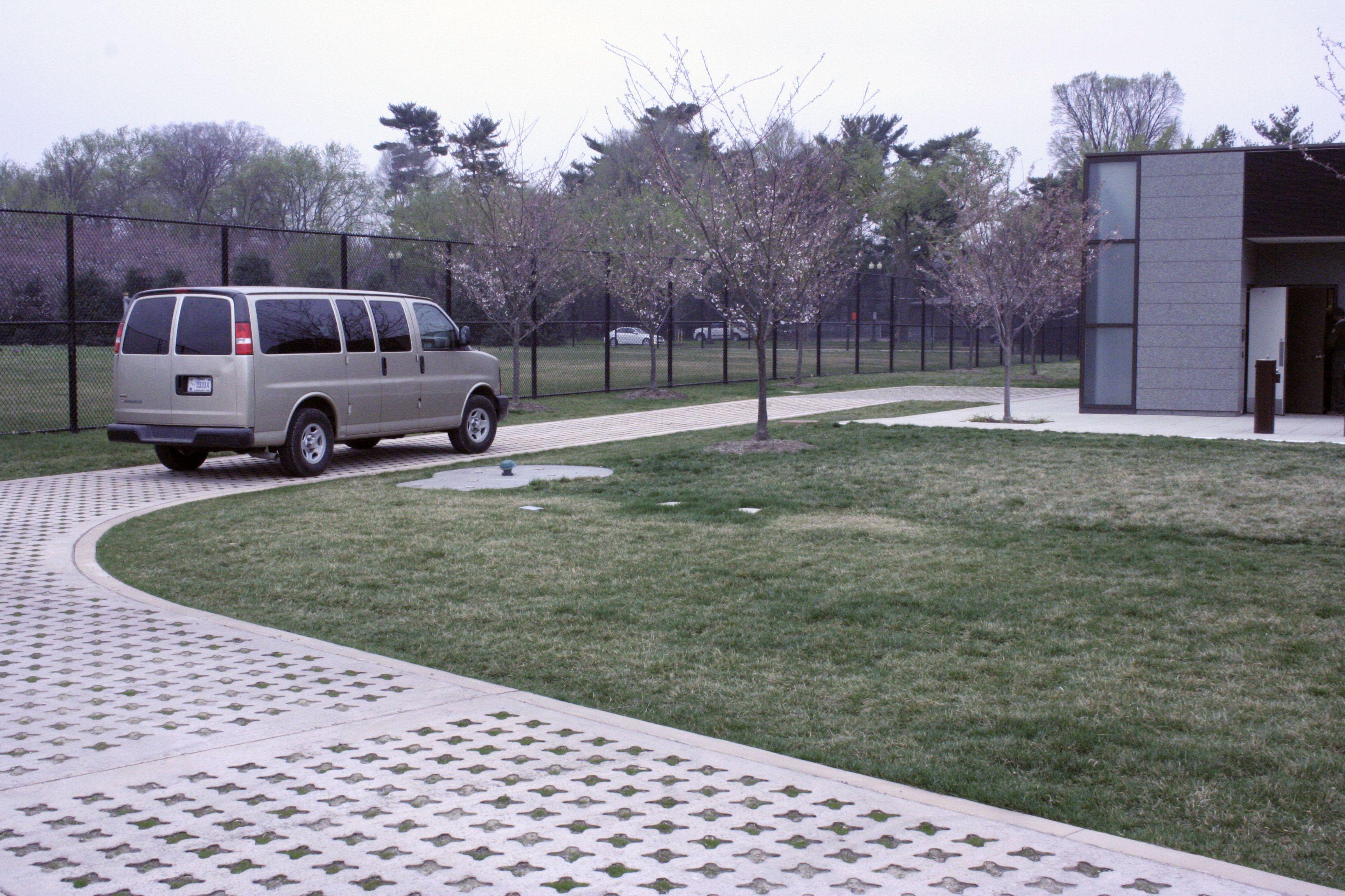 Grasscrete at MLK Memorial - 12