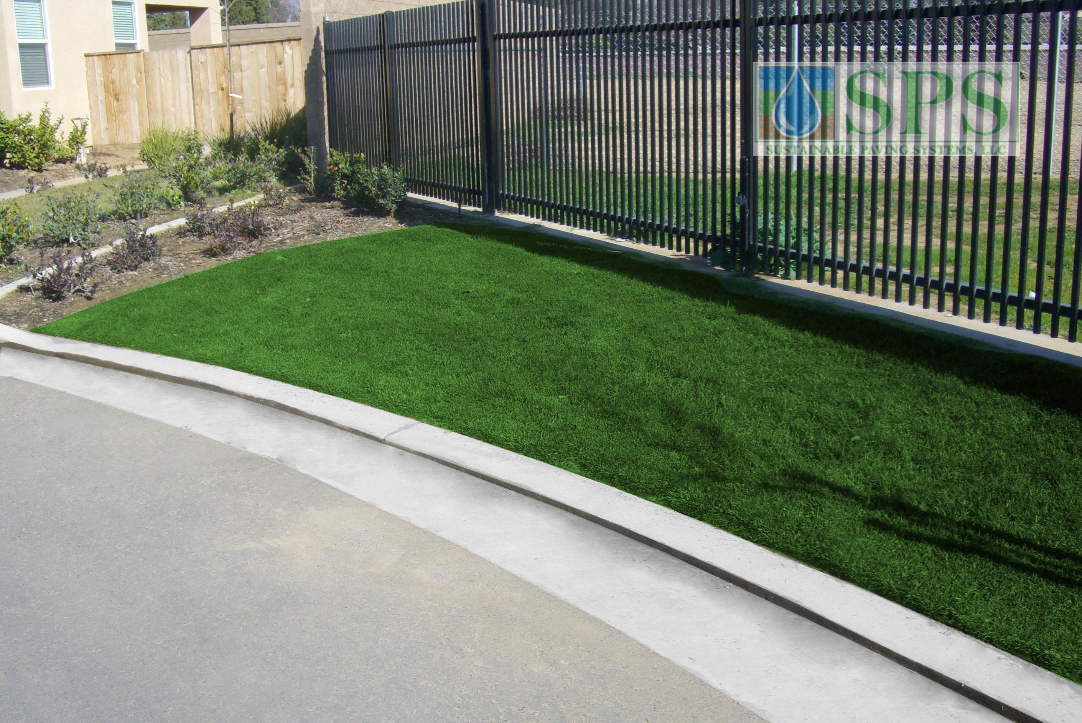Grasscrete Concealed System At Wathen Castanos View Of Emergency Access_1