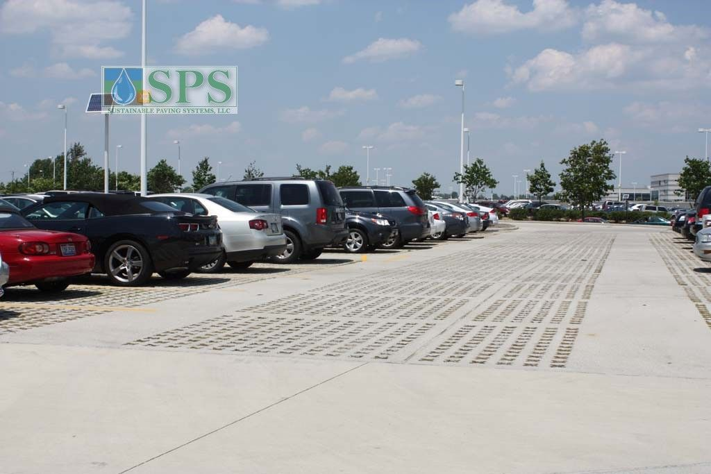 Grasscrete Partially Concealed System At Jp Morgan Chase Bank View Of Parking Lot_13