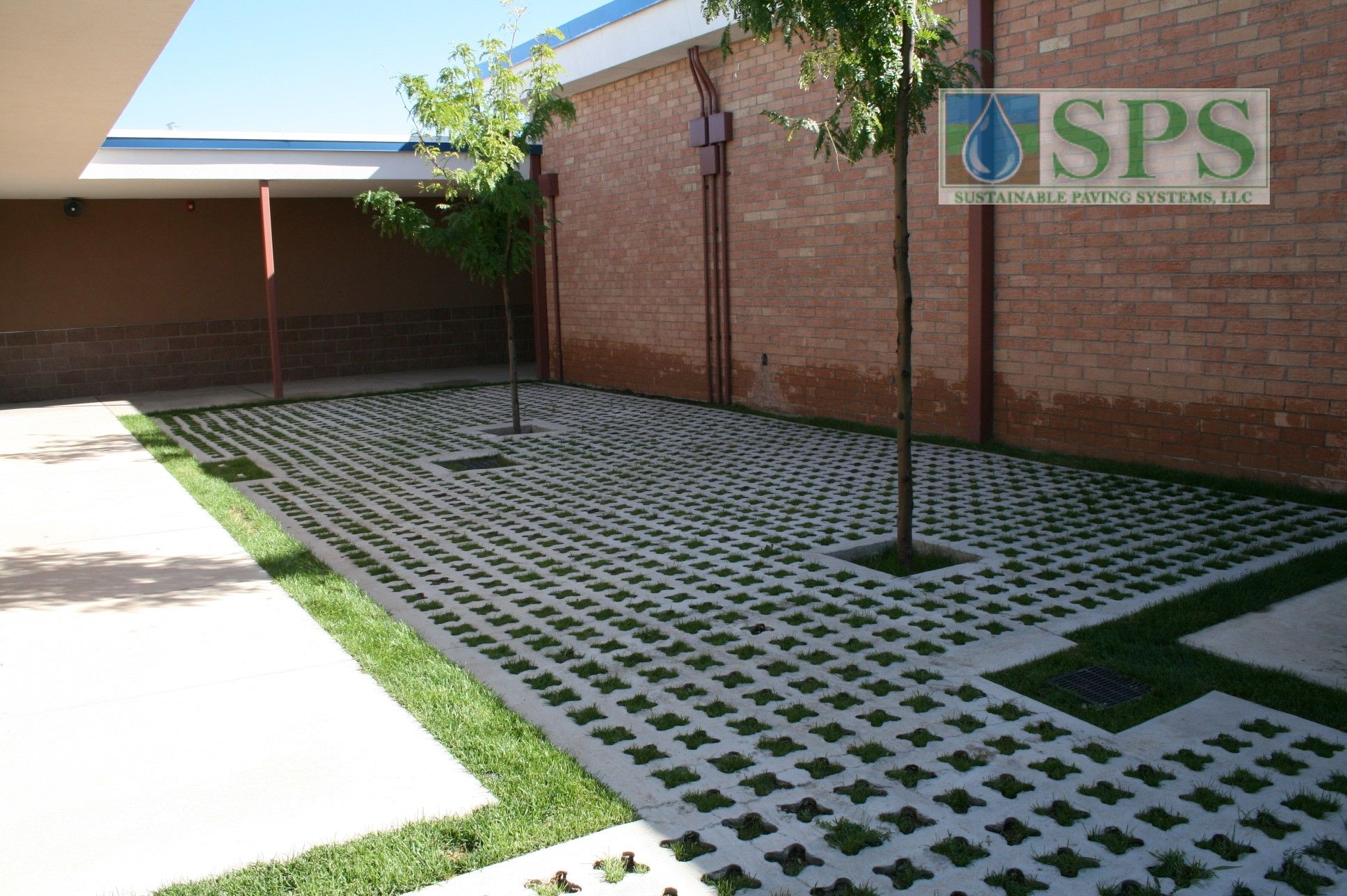 Grasscrete Partially Concealed System At St Mikes School View Of Courtyard Storm Water Management_06