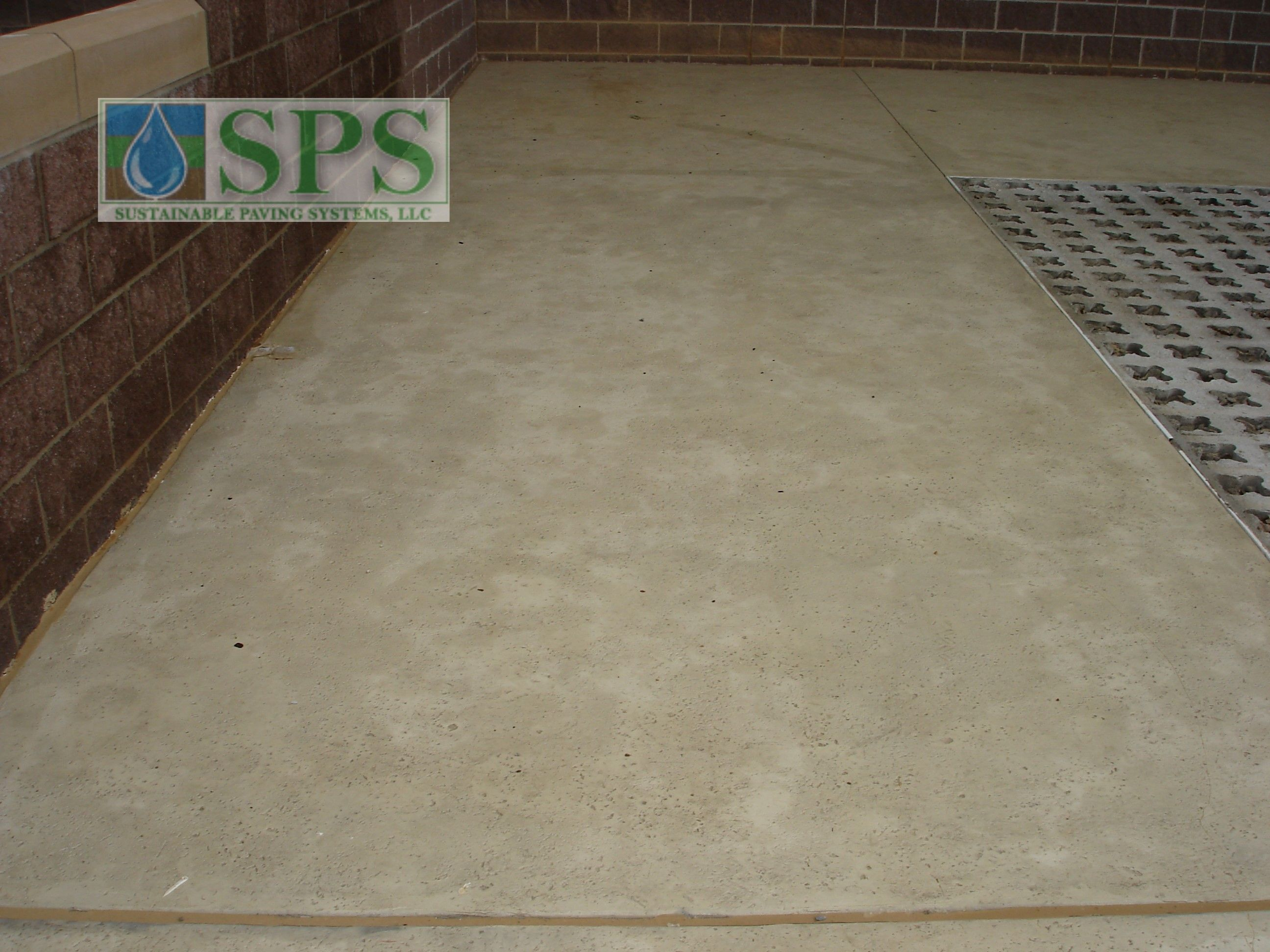 Grasscrete Partially Concealed System At Wooster Elementary View Of Walkways And Play Area_03