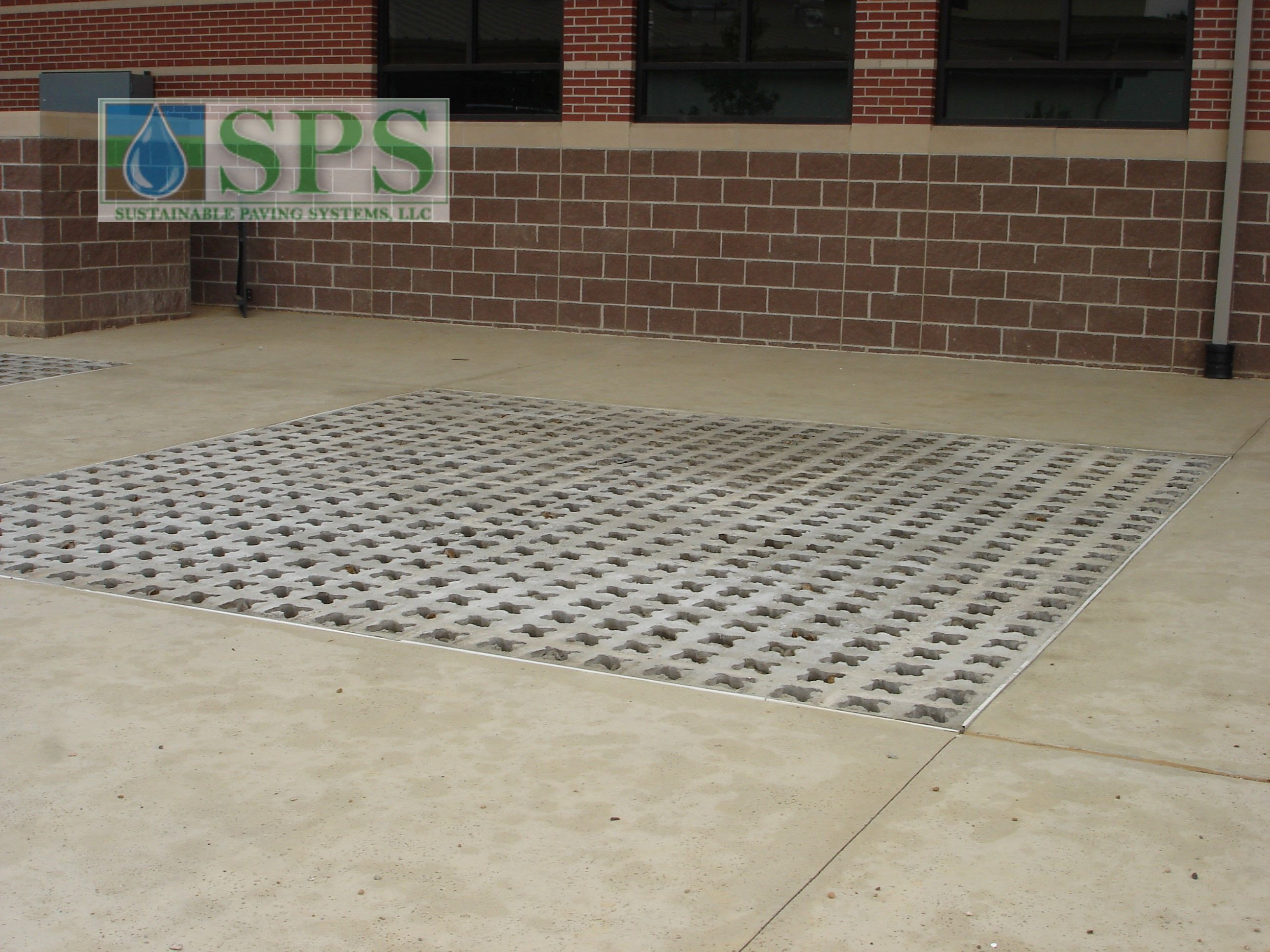 Grasscrete Partially Concealed System At Wooster Elementary View Of Walkways And Play Area_04