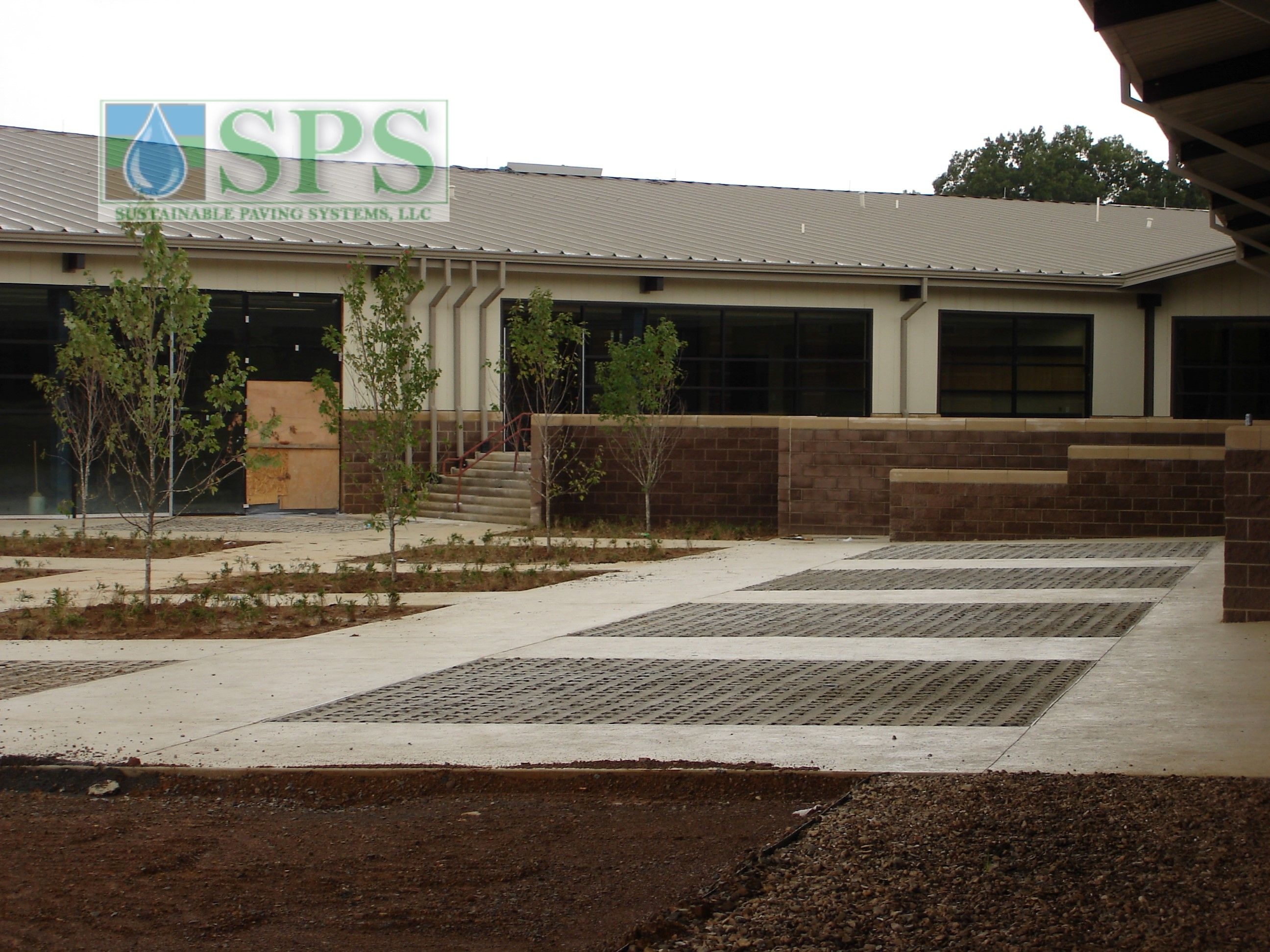 Grasscrete Partially Concealed System At Wooster Elementary View Of Walkways And Play Area_05