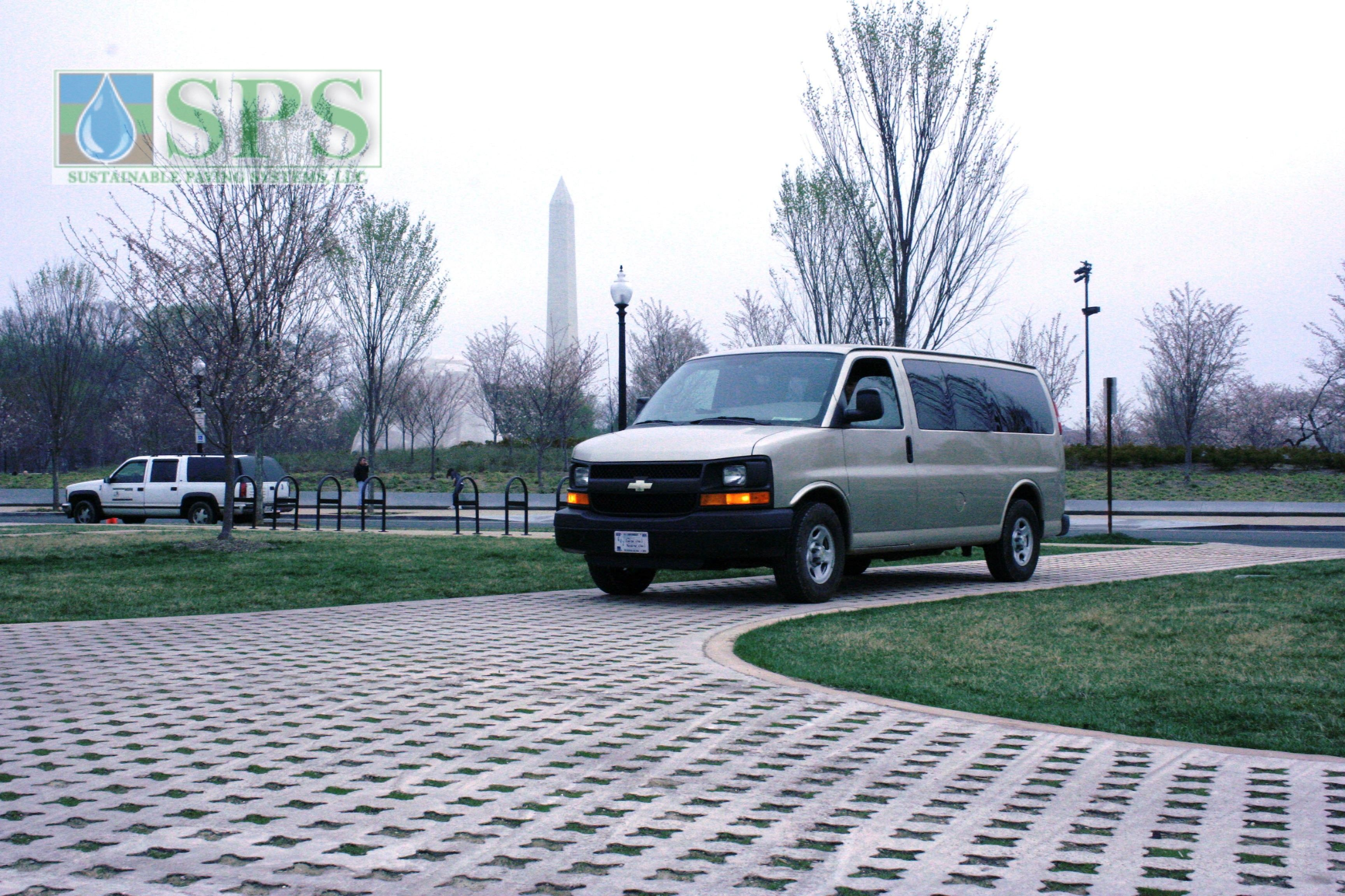 Grasscrete Partially Conceealed System At Mlk National Memorial View Of Vehicle Access_10