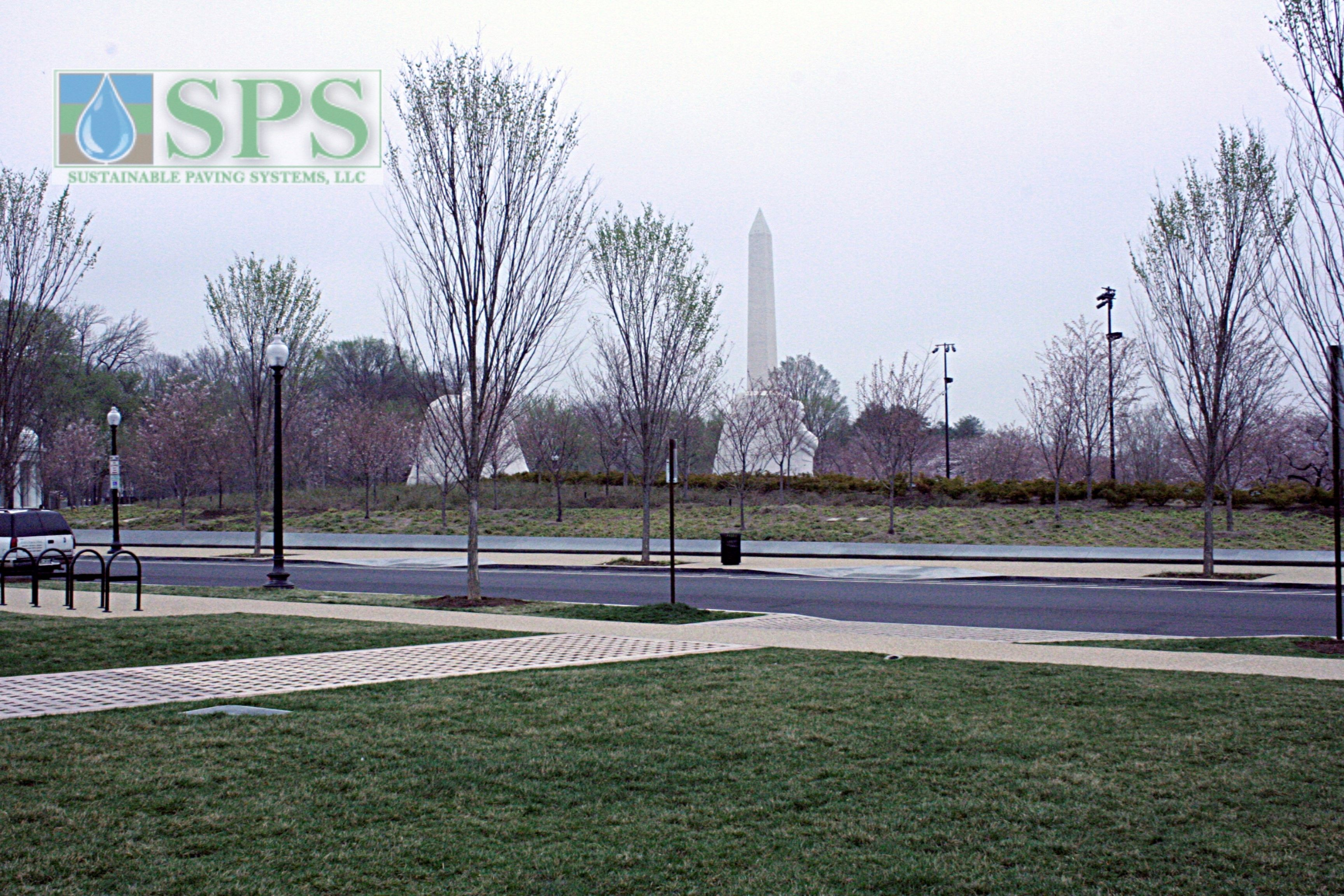 Grasscrete Partially Conceealed System At Mlk National Memorial View Of Vehicle Access_14
